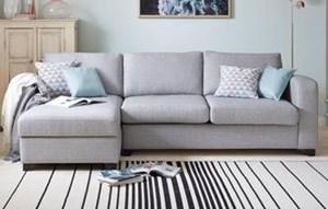 Zlecę czyszczenie sofy materiałowej parą lub odkurzaczem piorącym