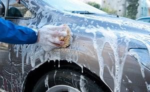 Zlecę kompleksowe mycie samochodu, silnik, podwozie, wnętrze, karoseria